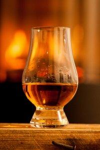 szklanka z whisky